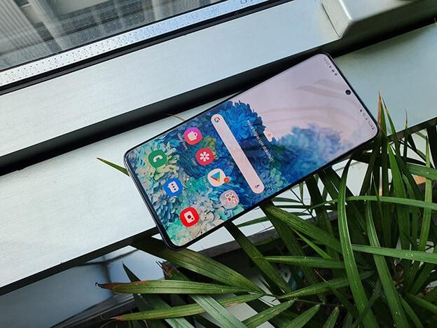 Samsung Galaxy S20 Ultra Tasarım - Ekran